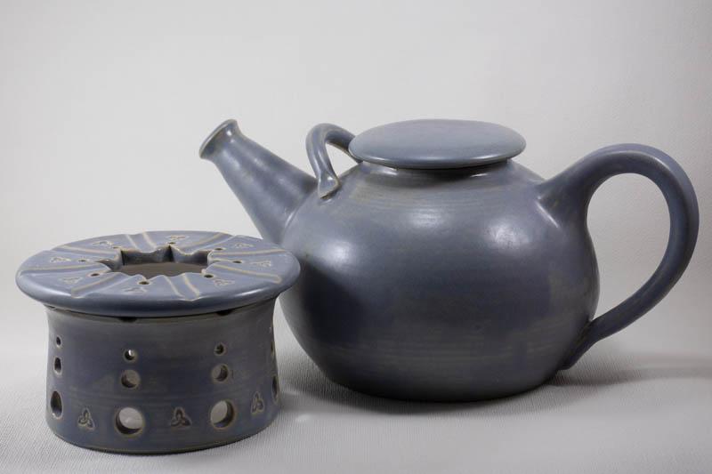 Teekanne 1,3l  130,-€   Stövchen  8cm x Ø 13cm  45,-€   Set 170,-€